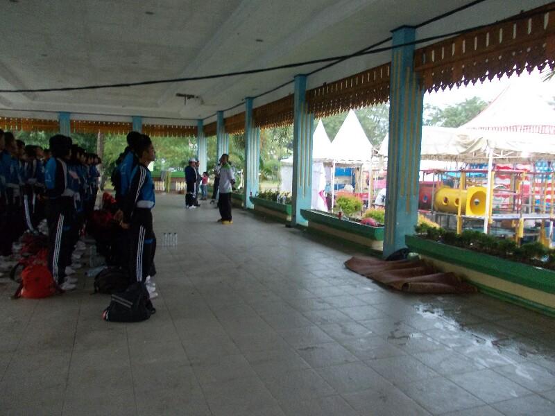 Paskibraka Terganggu Latihan Akibat Lapangan Merdeka Jadi Pasar Malam