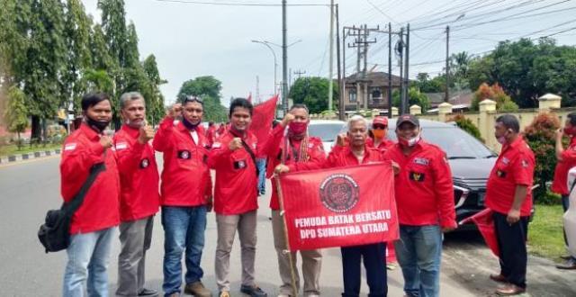 Penjemputan Ketua Umum PBB oleh ribuan kader PBB Sumatera Utara